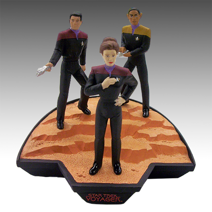Applause Diorama U.S.S. Voyager Crew